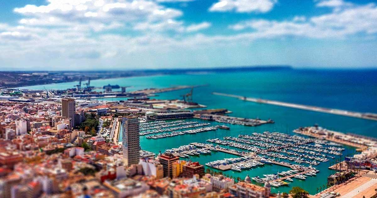 Une semaine à Alicante Pour Débattre de la Globalisation